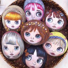 377 отметок «Нравится», 24 комментариев — Ayşegül Tolunay (@pietraizmir) в Instagram: «Bu hafta değişik çalışmalar yaptım. Bu sevimli kızları küçük boy taşlarımın üzerine çalıştım.…»