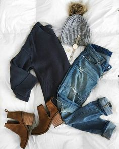 Fall + winter outfit inspiration for women. Winter outfit inspiration for women. Look Fashion, Fashion Clothes, Fashion Women, Fashion Trends, Fall Fashion, Flat Lay Fashion, Winter Fashion Outfits, Fashion Dresses, Fashion Pics
