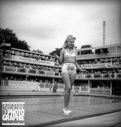 Concours de maillots de bain. Paris, piscine Molitor. Juin 1947