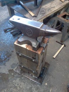 Anvil stand. Instructables