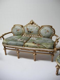 1:12th scale miniature settee by Ken Haseltine