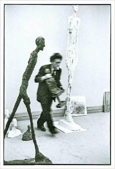 Alberto Giacometti [alˈbɛrto dʒakoˈmetti] (* 10. Oktober 1901 in Borgonovo, Gemeinde Stampa; † 11. Januar 1966 in Chur) war ein Schweizer Bildhauer, Maler und Grafiker der Moderne, der seit 1922 hauptsächlich in Paris lebte und arbeitete.