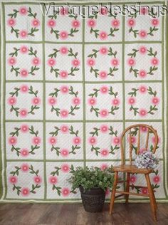 """Glorious! VINTAGE Layered Appliqued Wreath of Roses QUILT 90x75"""""""
