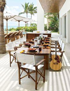 7 DREAM Celebrity Vacation Homes // Cindy Crawford, Rande Gerber, Mexico, Baja Peninsula, beach house, outdoor dining