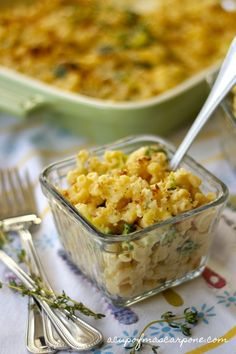 ultimate mac 'n' cheese with butternut squash & broccoli florets ~T~ Love this recipe. A lighter and healthier Mac and Cheese with so much flavor.