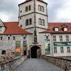 Blick auf den Eingang der Moritzburg - Halle (Saale)