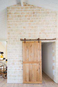 porche en enduit fausse pierre sculpt la main id es pour notre construction pinterest. Black Bedroom Furniture Sets. Home Design Ideas