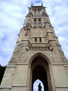Tour Saint Jacques - Subindo na Tour Saint-Jacques e vendo Paris de um novo ângulo - http://diretodeparis.com/subindo-na-tour-saint-jacques-e-vendo-paris-de-um-novo-angulo/