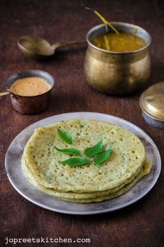 Mudakathan Keerai / Balloon Vine Leaves Dosa - Herbal Green Leaf Recipes