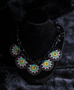 Handmade floral textile necklace crochet jewelry in cotton Boho Necklace, Crochet Necklace, Book Lamp, Pretty Necklaces, Gifts For Friends, Boho Fashion, Fashion Accessories, Handmade Jewelry, Textiles