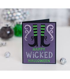 Spread the Halloween spirit with these Cricut® Creepy Critters Cartridge greeting cards!