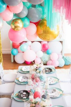 A kitty cat second birthday with the most incredibly fun decor Cat Birthday, 1st Birthday Parties, Birthday Party Decorations, Party Themes, Party Ideas, Fun Ideas, Birthday Ideas, Happy Birthday, Kitten Party