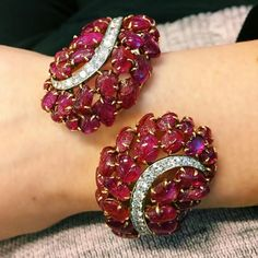 @jeanmjkim. I love all things Retro, but this gorgeous carved ruby cuff by Boucheron takes it to a whole new level! #christiesjewels