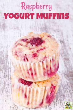Then bake a batch of these Raspberry Yogurt Muffins. The… Love raspberry muffins? Then bake a batch of these Raspberry Yogurt Muffins. They're super easy to make! The recipe comes with gluten free and dairy free options. Healthy Breakfast Recipes, Healthy Baking, Healthy Desserts, Healthy Yogurt, Raspberry Recipes Healthy, Healthy Brunch, Healthy Recipes, Gluten Free Yogurt Recipes, Desserts With Yogurt