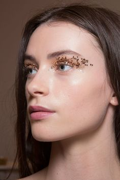 Sequined eyes // Temperley London Fall 2015