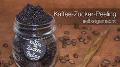 Morgendlicher Koffeein-Kick: Das selbstgemachte Kaffee-Zucker-Peeling hilft, das Erscheinungsbild von Dehnungsstreifen und Cellulite zu vermindern.