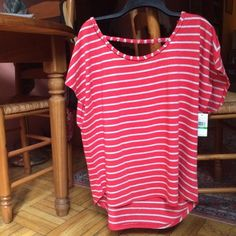 """Vince Camuto Red Striped Tee Scoop neck, short sleeves, striped T-shirt. True to size. Size large. Approximately 24"""" long shoulder to hem. Blue striped shirt also available in closet. Please ask if you have questions. Vince Camuto Tops Tees - Short Sleeve"""