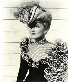 50 fotos que provam que Marlene Dietrich é a atriz mais elegante do cinema - Cinema Clássico