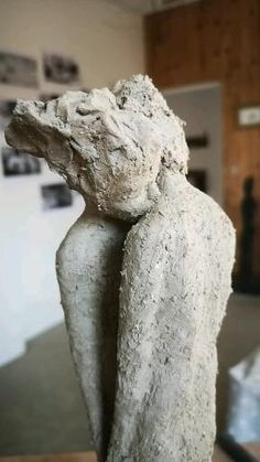 Clay Sculptures, Sculpture Art, Clay Projects, Clay Crafts, Ceramic Sculpture Figurative, Sculpture Techniques, Clay Figures, Clay Animals, Gravure
