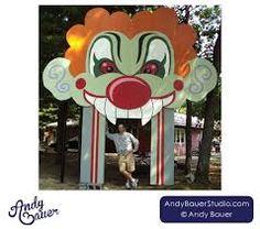 Afbeeldingsresultaat voor clown funhouse entrance