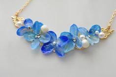 再々販・あじさいネックレス by blue viola アクセサリー ネックレス Shrink Plastic Jewelry, Resin Jewelry, Antique Jewelry, Beaded Jewelry, Uv Resin, Resin Art, Crown Earrings, Resin Flowers, Resin Crafts