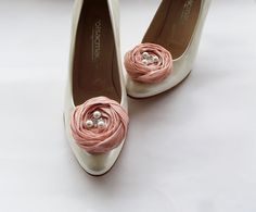 Pale Pink Chiffon Roses Shoe Clips by BizimFlowers on Etsy