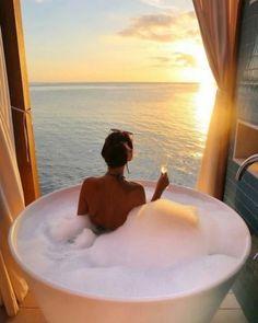 Dream bath with sunset ⛅ Jacuzzi, Steam Spa, Relaxing Bath, Dream Bathrooms, Luxury Bathrooms, Walk In Shower, Luxury Life, Mykonos, Bathroom Inspiration