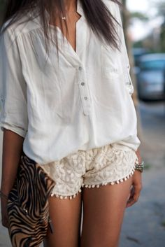 Baggy top + Textured shorts + Pattern bag