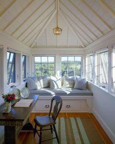 28 Dreamy Attic Sunroom Design Ideas