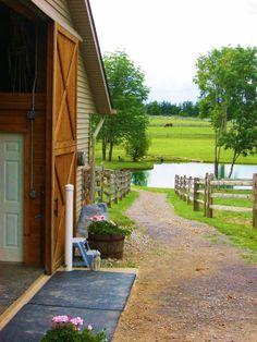 Dancing Horse Farm Newbury, Ohio - love the scenery - with a lake for Chris :) Dream Stables, Dream Barn, Vie Simple, Farm Plans, Barn Renovation, Future Farms, Horse Barns, Horse Stables, Horses