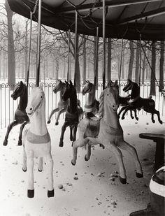Jardin des Tuileries, 1950.  © Izis Bidermanas