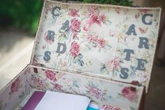 Homemade Wedding Card Suitcase   Image by Sylvain Bouzat Photographe