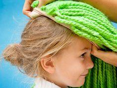How to Make Yarn WIGS (using yarn and stocking). GREAT idea! LD