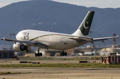 Airbus A310 Pakistan International Airlines
