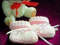Child Knitting Patterns Ray Of Hope Knitting patterns for untimely infants Baby Knitting Patterns Supply : Ray Of Hope Knitting patterns for premature babies. Knitting For Charity, Knitting For Kids, Free Knitting, Knitting Machine, Baby Knitting Patterns, Baby Patterns, Knitting Designs, Preemie Babies, Baby Dresses