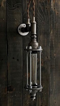 Made of steel and cast iron. Socket / W. Size: 32 cm H; 10 cm D. it is possible to paint in your color. Lampe Industrial, Industrial Bathroom Lighting, Entryway Lighting, Industrial Light Fixtures, Vintage Industrial Decor, Dim Lighting, Lighting Ideas, Decor Vintage, Industrial Wall Lights