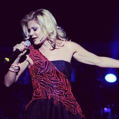 #PatriziaPellegrino Patrizia Pellegrino: Notte dolce con tutta l energia e la voglia di vivere che sento dentro...