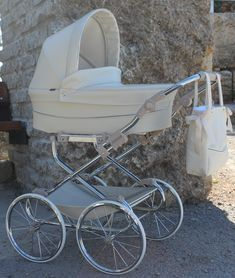 Baby Life Hacks, Vintage Pram, Baby Equipment, Baby Gadgets, Baby Prams, Baby Necessities, Baby Carriage, Baby Boy Rooms, Baby Room Decor