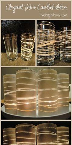 elastiekjes om een glas en verf het glas met een spuitbus.