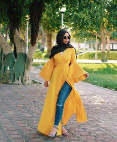 Romantic hijab fashion styles – Just Trendy Girls Hijab Fashion Summer, Modest Fashion Hijab, Modern Hijab Fashion, Hijab Fashion Inspiration, Islamic Fashion, Abaya Fashion, Muslim Fashion, Fashion Dresses, Fashion Styles