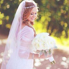 Bride - Bridal Wedding Photography - Flowers - Headcrown