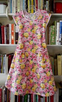 Rose apron in rose bouquet