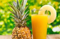 Have you tried several Pineapple detox drinks that didnt work for you? I have listed 7 pineapple detox drink for weight loss that is easy to make. Pineapple Detox, Pineapple Juice, Pineapple Benefits, Detox Kur, Cleanse Detox, Liver Detox, Juice Cleanse, Detox Organics, Veggie Juice