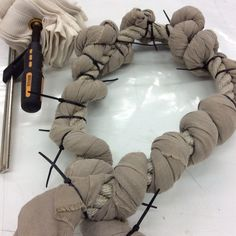 Segunda Sessão : Pleats and stitches to get the drawing - Tesuji and Nui Shibori !! Trabalho de uma estudante
