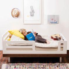Oeuf Kinderbett Juniorbett Classic in Walnuss / weiß 70x140