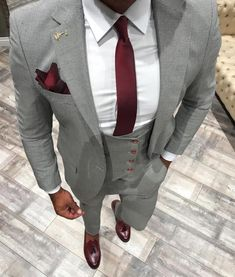 ▷ 1001 + Ideen Thema: grauer Anzug welches Hemd passt dazu more questions about the elegant men outfit – suit with suspenders or without? Dress Suits For Men, Men Dress, Mens Fashion Suits, Mens Suits, Grey Suit Men, Suit With Suspenders, Suit Vest, Mode Costume, Designer Suits For Men
