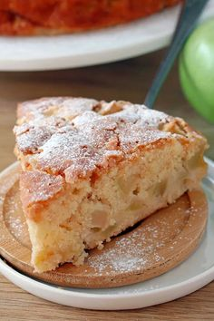 French Apple Cake – this soft and moist cake with rum and pieces of juicy apples and sugar topping is perfect for those who like simple, but delicious recipes. Apple Desserts, Fall Desserts, Apple Recipes, Dessert Recipes, French Apple Cake, Yummy Food, Delicious Recipes, Easy Recipes, Moist Cakes