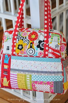 Quilted Weekender Bag #2 (Weekender Travel Bag pattern by Amy Butler) | Mommy by day Crafter by night