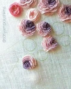 Hand Embroidery Patterns Flowers, Ribbon Embroidery Tutorial, Basic Embroidery Stitches, Hand Embroidery Videos, Embroidery Flowers Pattern, Creative Embroidery, Simple Embroidery, Hand Work Embroidery, Silk Ribbon Embroidery