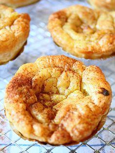 Hoe maak je zelf pastéis de nata, het overheerlijke gebakje uit Portugal? In dit recept lees je er alles over.